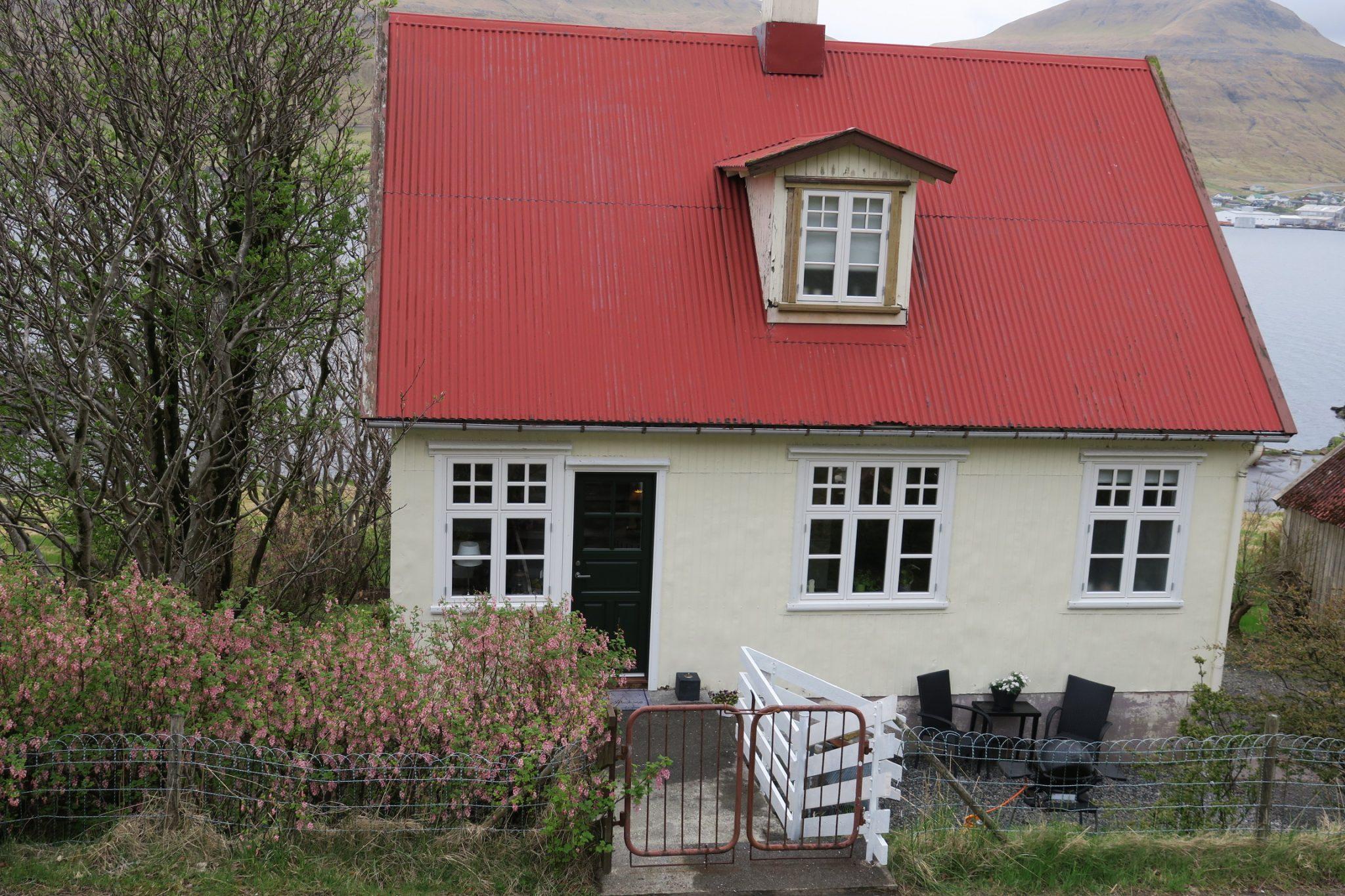 Søldarfjørður, Søldarfjarðarvegur 15