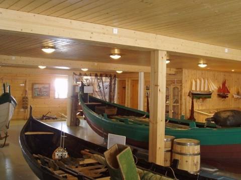 Boat museum and gallery in Leirvík